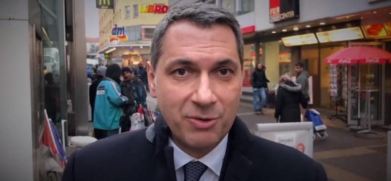 """""""Migránspoklos"""" videóval ijesztget Bécsből Lázár János"""
