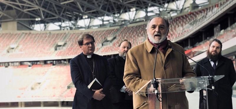 A rabbi a Puskás Aréna körülmetélésén poénkodik