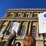 Akadémiai Dolgozók Fóruma: Állva maradtunk!