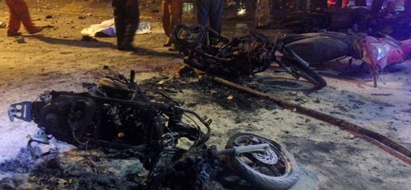 Pokolgép robbant Bangkok központjában