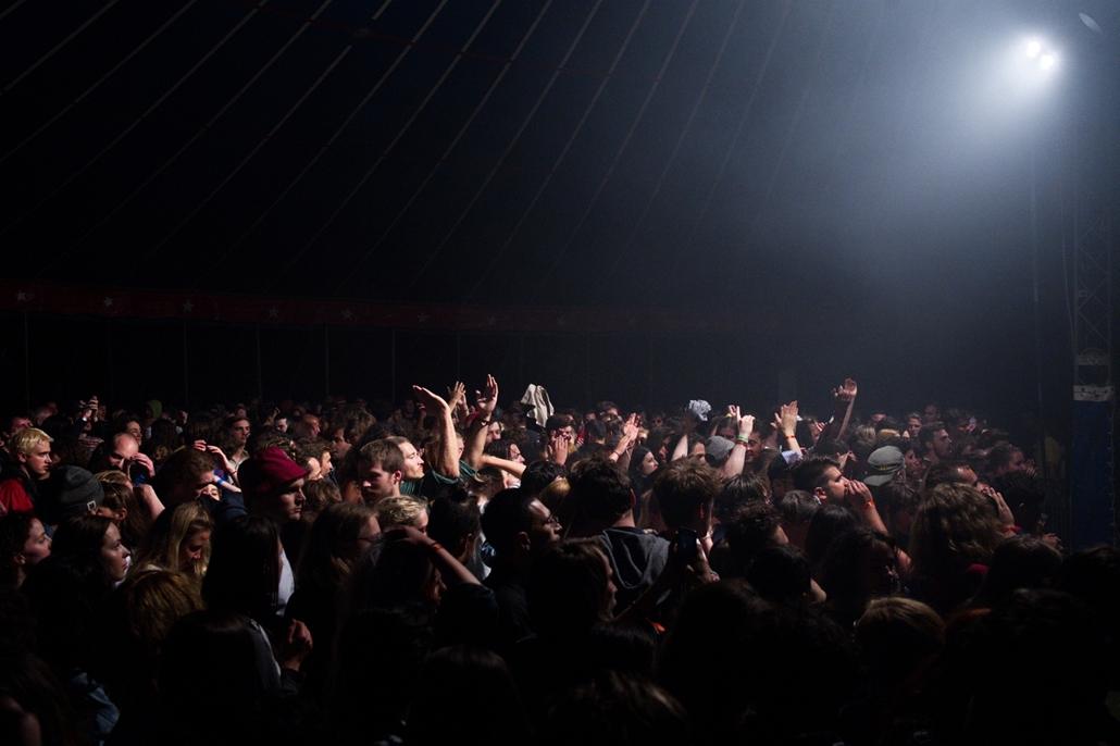 fm.17.07.14. - Bánk: bánkitó fesztivál 2017 s03e01 - bánk - Slaves koncert