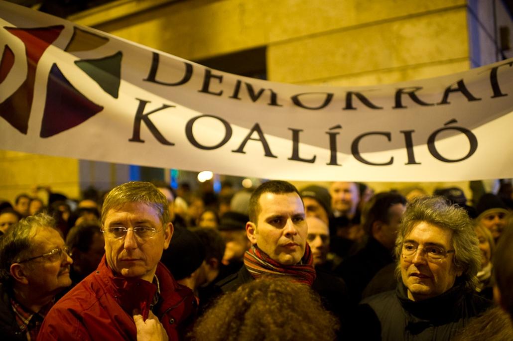 operaház tüntetés