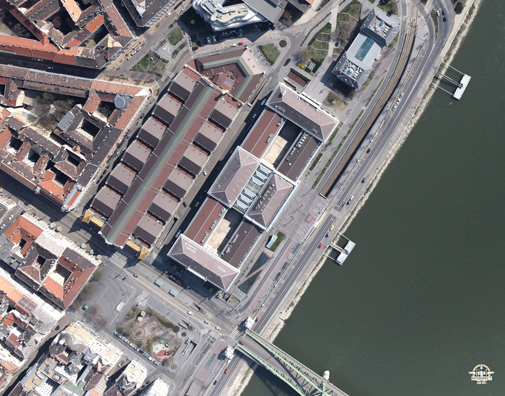 e! NAGYÍTÁS Vásárcsarnok elnéptelenedett budapest légi felvételek