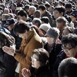 Fel akarta gyújtani a szentély előtt imádkozó tömeget a tokiói gázoló