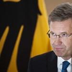 Nem mindenki megy el a bukott német elnök pompás búcsúztatójára