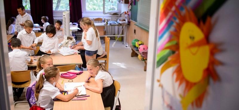 Megtiltotta a kormány a rendkívüli szünetet az iskolákban