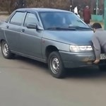 Az oroszok Hulkja a gumifüstölő Lada ellen – videó