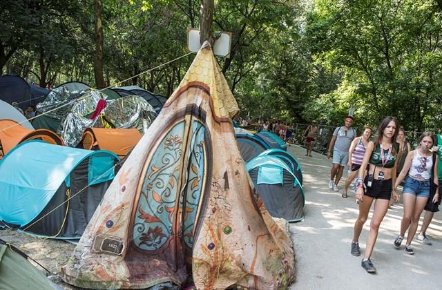 tg.18.08.10. Sziget fesztivál sátor ingatlankörkép