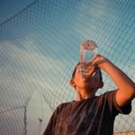 Meglepő hatása van, ha egy gyerek naponta megiszik 2,5 liter vizet