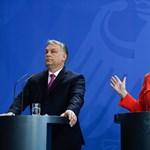 Merkel nyaral, az Orbán-találkozó előtt a zsarnokokról olvas