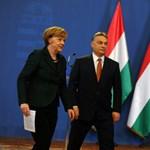 Merkel beszélgetett Orbánnal – és mondott egy ellen-tusványosi beszédet