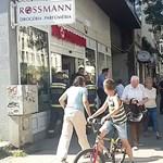 Olcsó kínai kozmetikumoktól retteg a Rossmann, a Douglas és a DM