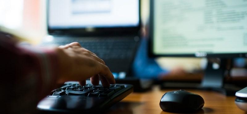 Itt vannak az emelt szintű informatikaérettségi feladatsorai és a megoldások