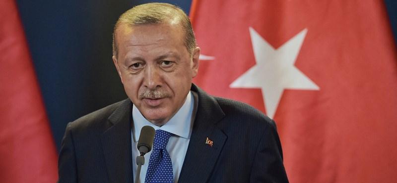 Több mint ezer embert fognak letartóztatni Törökországban