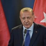 Átlépi az Eufráteszt a török hadsereg Szíriában
