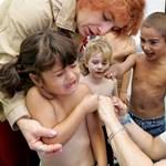 Az ombudsman felvetetné az óvodákkal a nem beoltott gyerekeket is