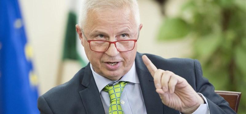Sajátos mozzanat volt a túlóratörvény parlamenti elfogadása Trócsányi szerint