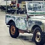 Megtalálták minden Land Roverek ősét, egy kert végében várt kitartóan
