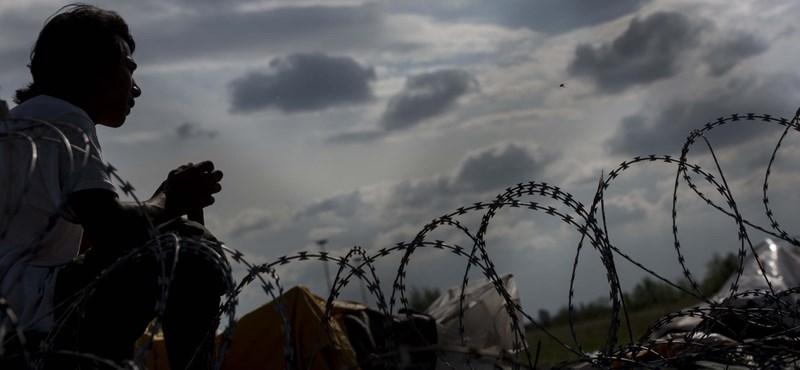 Huszonöt embert próbált átcsempészni egy török kamionos Csanádpalotánál