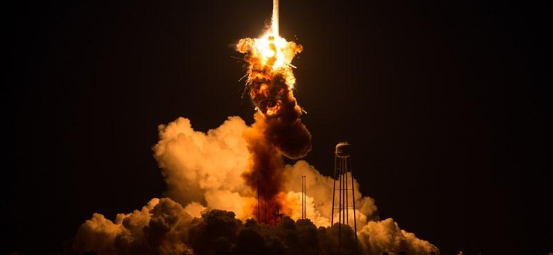 Felrobbant NASA-rakéta: egy 50 éves szovjet alkatrész nyalhatott vissza
