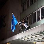 Megszólalt a lány, aki kitűzte az EU-s zászlót a Rádióra