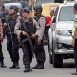 Merényletsorozat Jakartában: több bomba is robbant (18+)