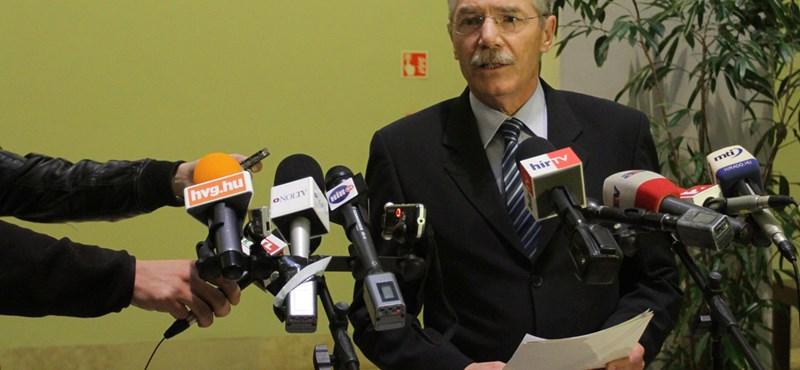 Schmitt-botrány: lemond a Semmelweis Egyetem rektora