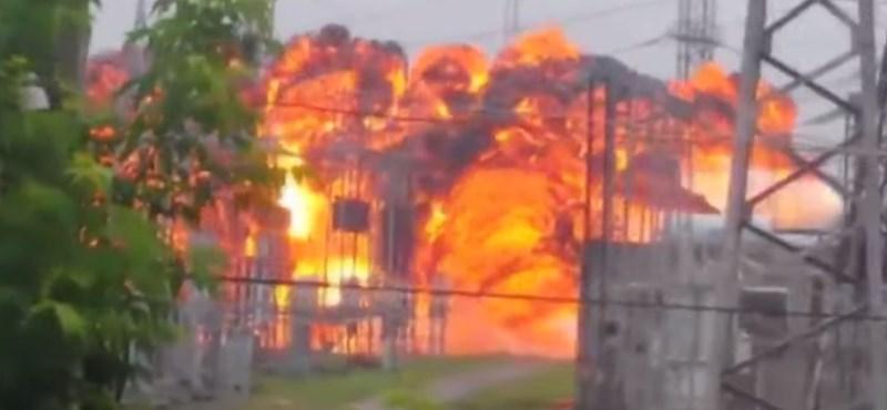 Óriási tűzgolyó szállt fel a felrobbant orosz elektromos állomásról – videó