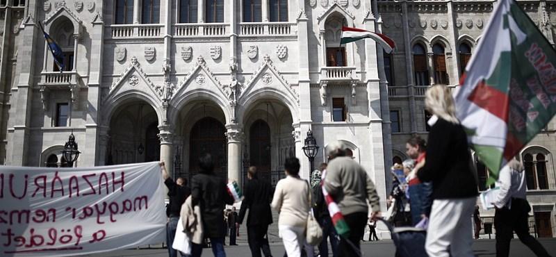 Elítéli a Jobbik is a volt jobbikos akcióját Pásztor István ellen