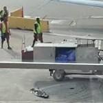 Így szabadult el egy ételszállító autó a chicagói repülőtéren