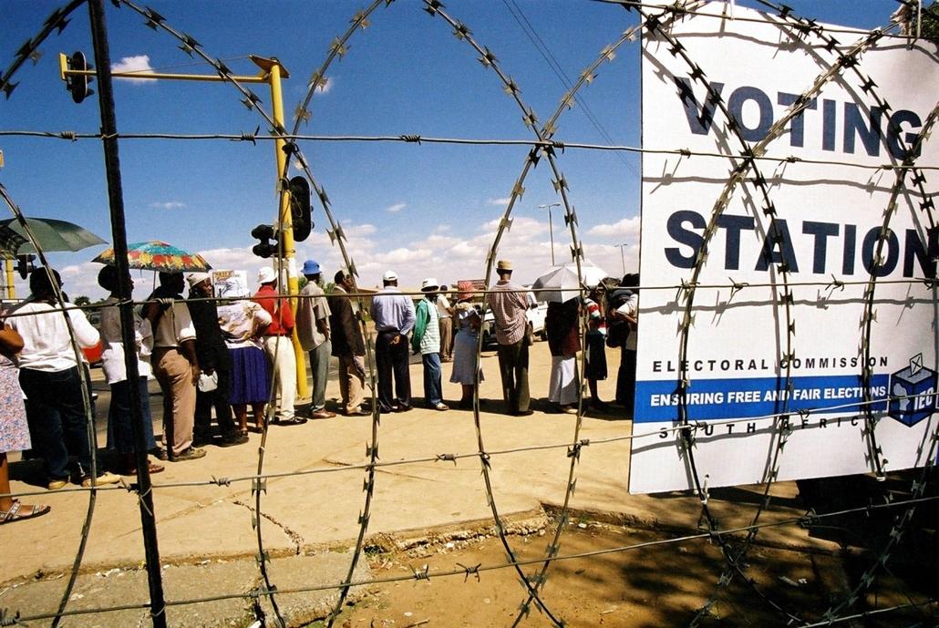 afp.04. - Dél-afrikai választás tíz évvel az apartheid eltörlése után - Apartheid nagyítás