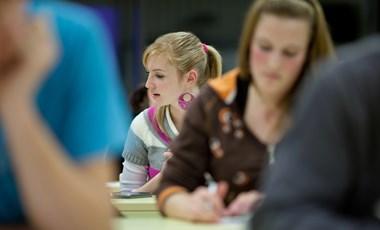 Több tízezer diák vizsgázik szombaton: itt vannak a részletek