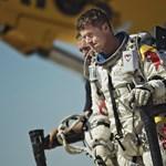 Baumgartner ma sem ugrott a világűr pereméről