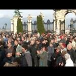 """""""A köztársaság halott"""": így tüntetett a DK – videó"""