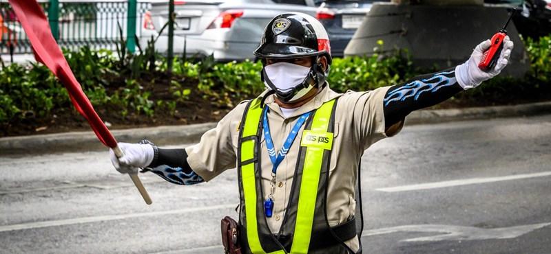 Hongkong karanténba zár minden Kínából érkezőt