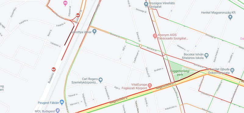 Teherautó zuhant a Petőfi-laktanya elé, beállt Dél-Buda