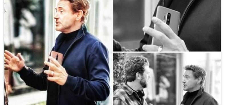Robert Downey Jr. kezében fotózták le a még meg sem jelent OnePlus 8 Prót