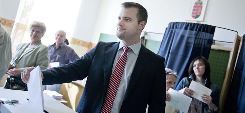 Többmilliárdos költségvetési csalás miatt nyomoz a NAV, jobbikos képviselőt is feljelentettek