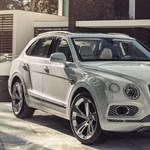 Tömegek kérték: itt az első zöld rendszámozható Bentley luxusterepjáró