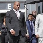 R. Kellyt gyermekpornó miatt tartóztatták le