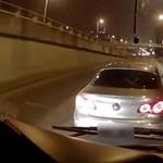 Egy sofőr képes volt az M3 metrópótló előtt büntetőfékezni – videó