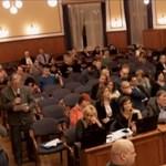 Nem szavazta meg a helyi Fidesz a költségvetést, elmarad az óvónők és az ápolók béremelése is a XV. kerületben