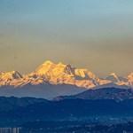 Már el lehet látni a Mount Everestig Katmanduból, annyira kitisztult a levegő