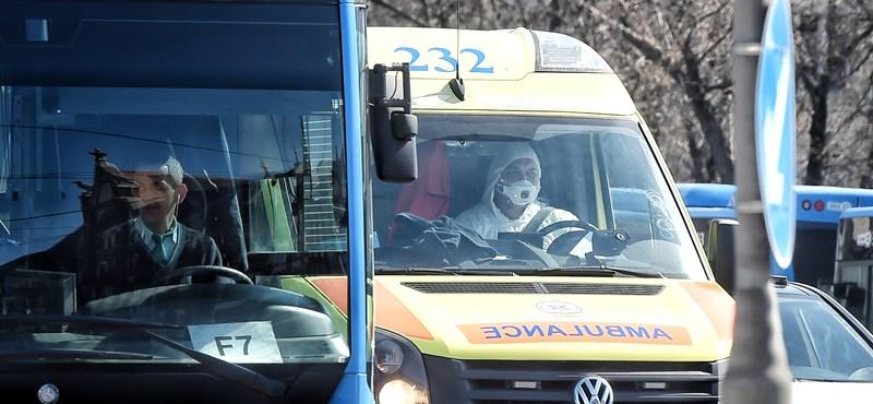 Alig látnak ki a mentők a munkából, de birkózóversenyre még kivezénylik őket biztosítani