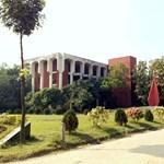 Diákok körében toboroznak terroristákat Bangladesben, ezért jelenteni kell a hiányzókat