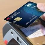 Egy francia nagy bank már teszteli a jövő bankkártyáját, ezt öröm lesz használni