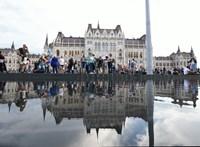 Hajnalban 16 embert vittek el a Kossuth térről
