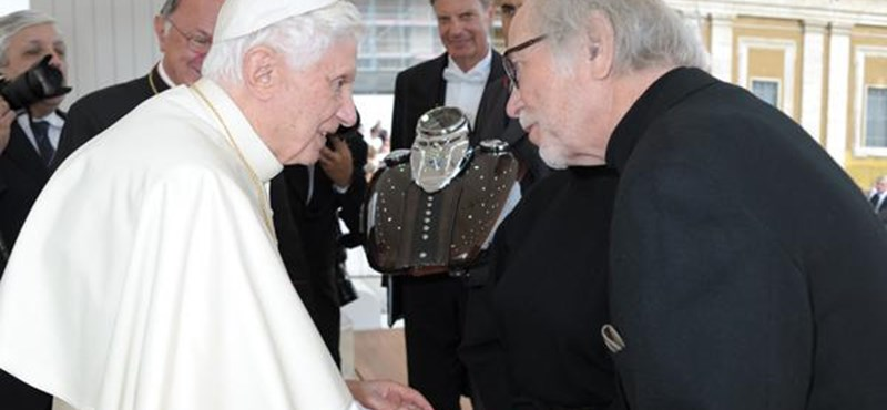 Megáldotta a pápa a Harley-Davidsont