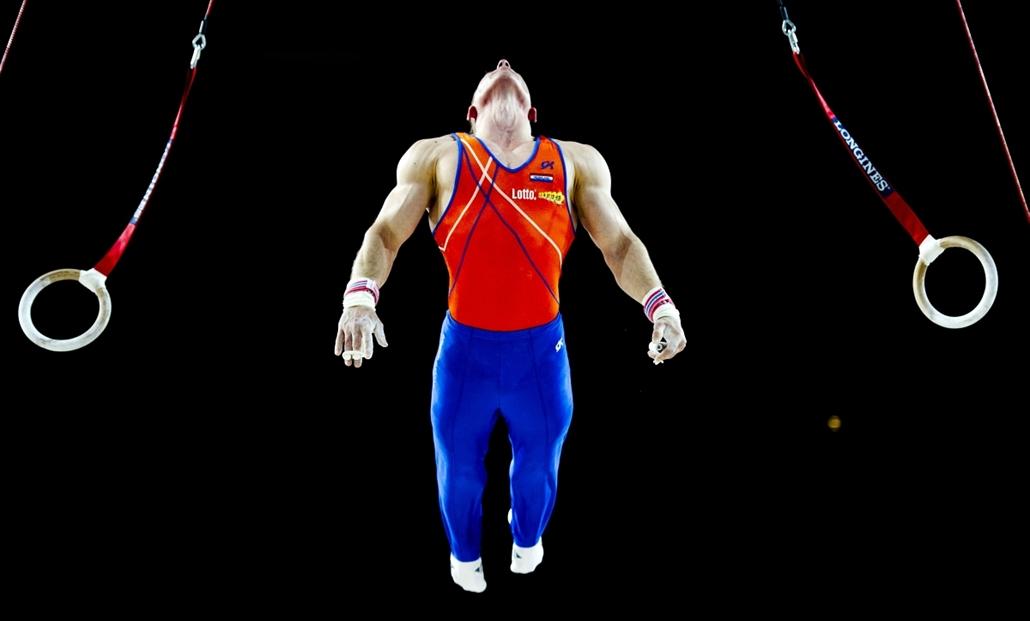 2012. május 22. - Montpellier, Franciaország: a holland Yuri van Gelder gyakorlata a Ritmikus gimnasztikai Európa-bajnokságon. - évsportképei