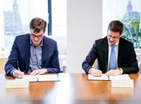 Karácsony és Gulyás aláírta a megállapodást a fővárosi színházakról